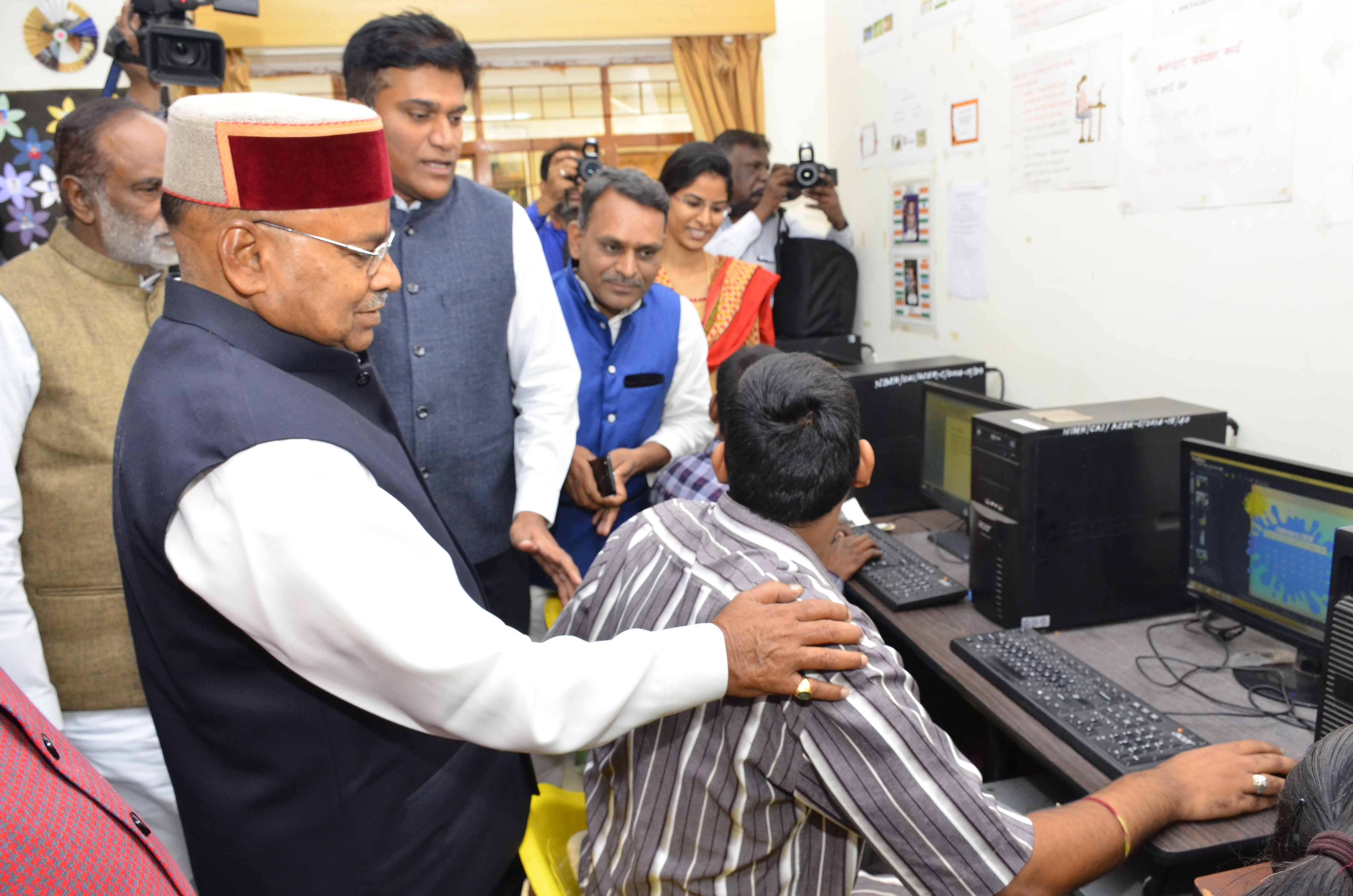 Visit of Shri.Thaawarchand Gehlot_fifteen_size photo