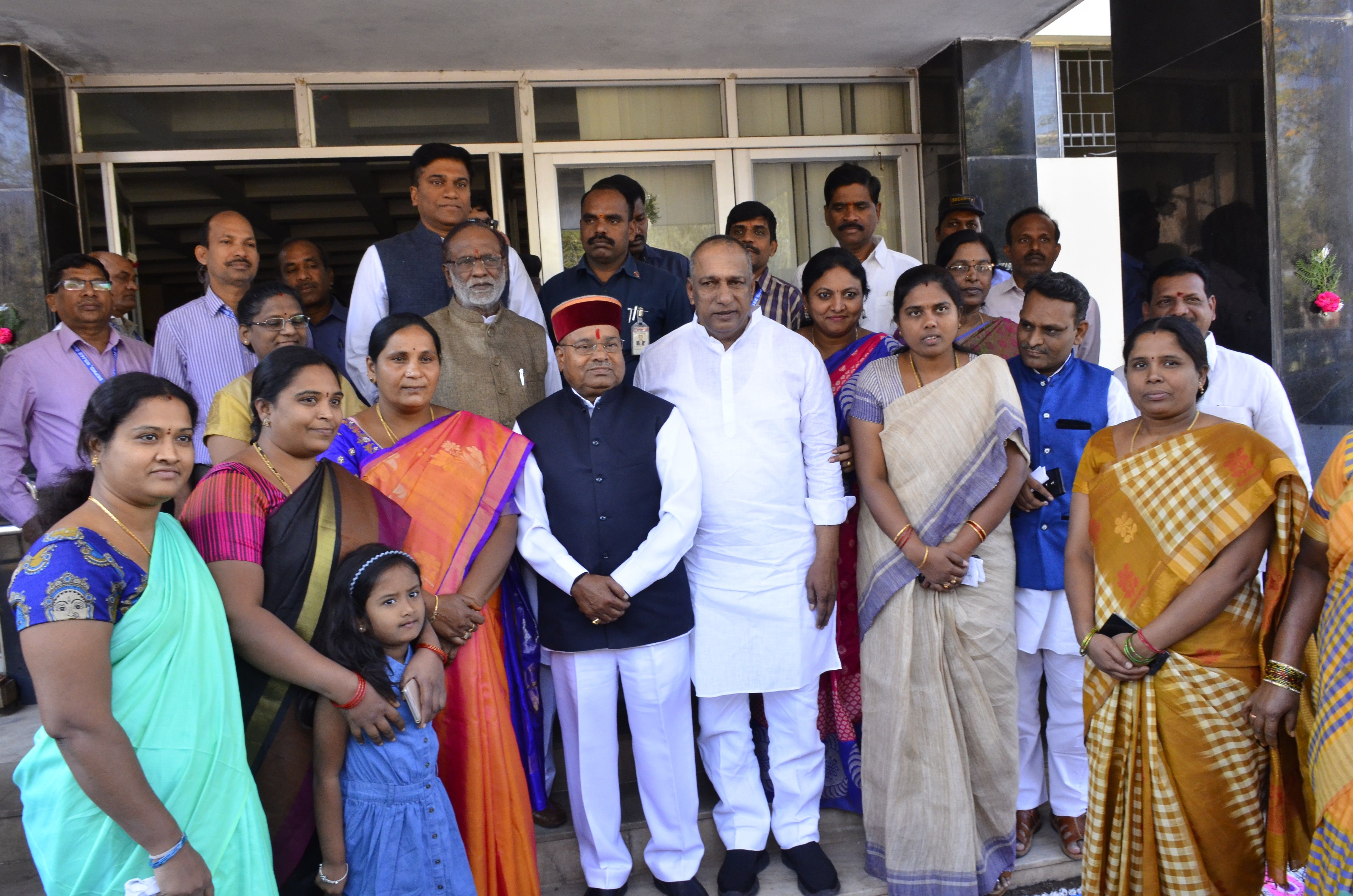 Visit of Shri.Thaawarchand Gehlot_five_size photo