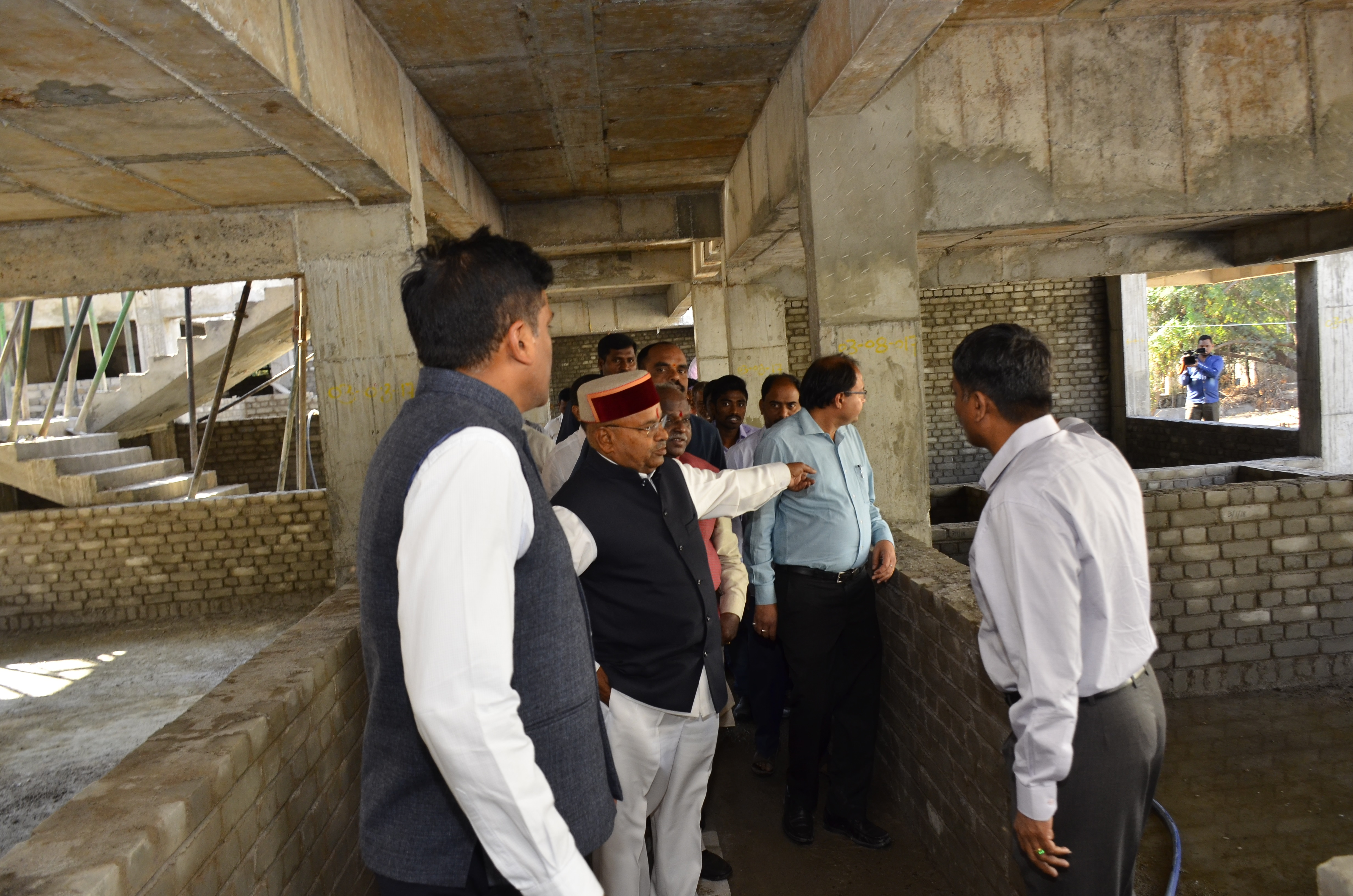 Visit of Shri.Thaawarchand Gehlot_thirteen_size photo